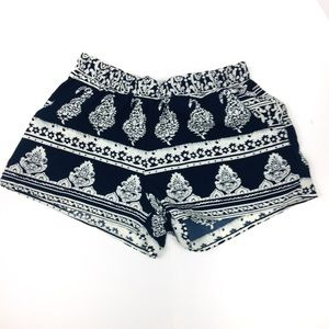 Boho elastic waistband shorts with pockets